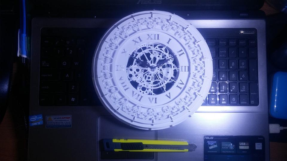 Đồng hồ treo tường kiểu La mã